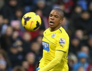 Newcastle United Harus Ikat Loic Remy